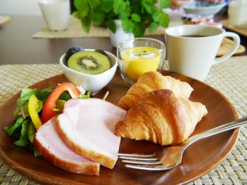 忙しい朝でも焼きたてのクロワッサン! 進化する「冷凍パン」を試してみたPart1